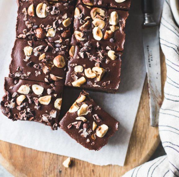 brownies-με-σοκολάτα-και-φουντούκια