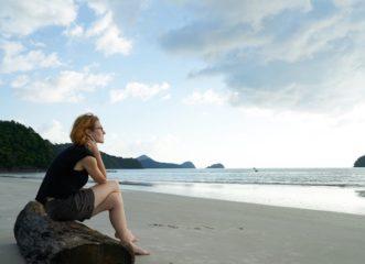 οι-σχέσεις-της-μοναξιάς-και-η-μοναξιά-τ
