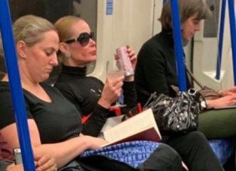 με-πολύ-ωραίο-στυλ-στο-μετρό-και-κολω