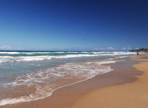 συναγερμός-σε-παραλία-της-κυλλήνης-β