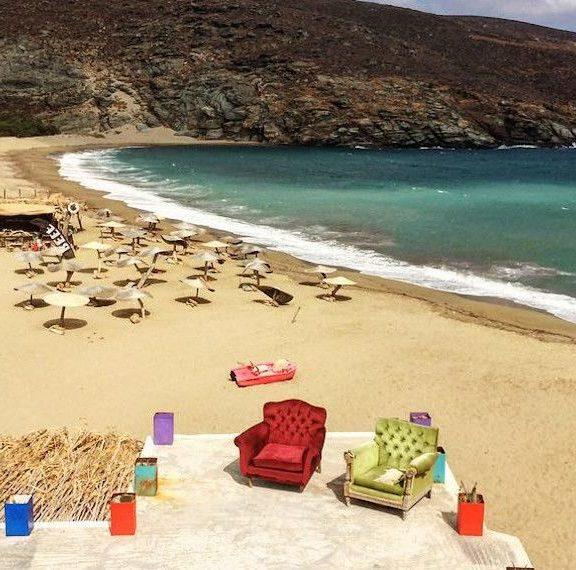 σοκ-σε-γνωστή-παραλία-της-τήνου-28χρονη