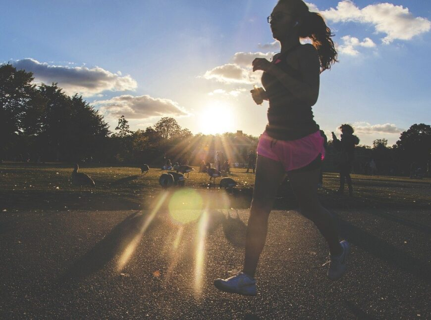 Πόσο συχνά και για πόση ώρα πρέπει να τρέχω για να χάσω το λίπος στην κοιλιά;