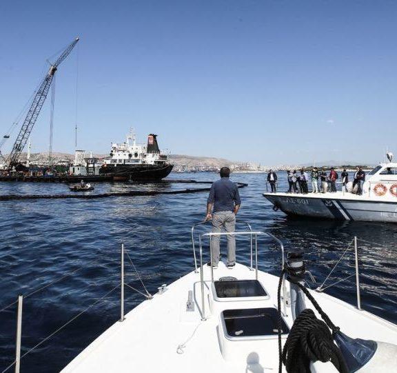 σύγκρουση-πλοίων-στο-πέραμα-πληροφο