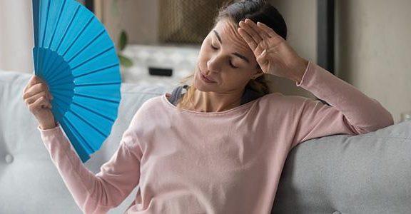 οι-εξάψεις-στην-εμμηνόπαυση-σχετίζον