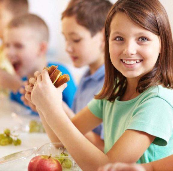 άριστα-στο-σχολείο-με-σωστή-διατροφή