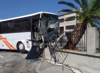 θεσσαλονίκη-12-τραυματίες-σε-τροχαίο-με