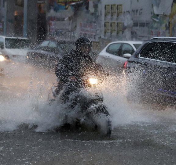 ισχυρές-βροχές-καταιγίδες-και-θυελλώ