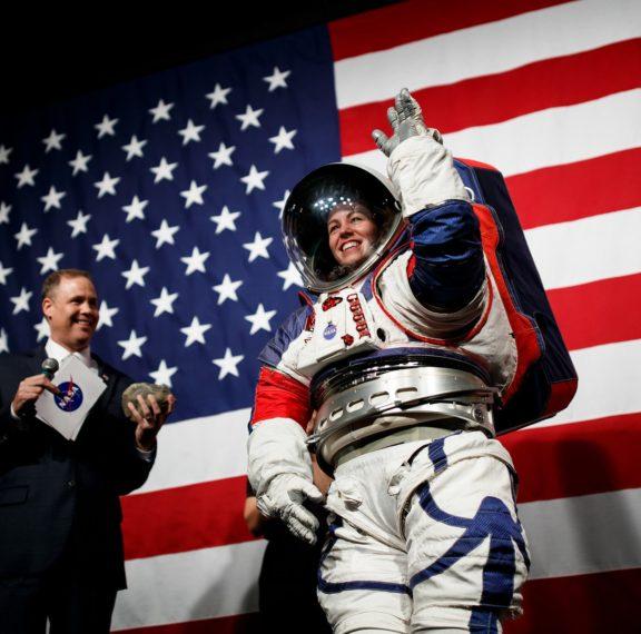 δείτε-τις-νέες-διαστημικές-στολές-που