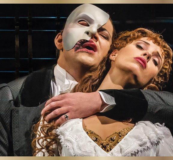 το-φάντασμα-της-όπερας-έρχεται-και-στο