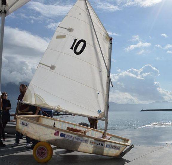 στην-καλαμάτα-φτιάχνουν-σκάφη-από-πλα