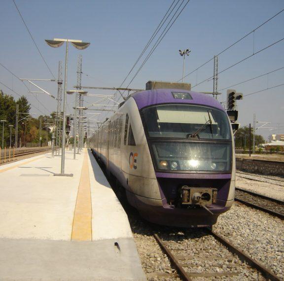 σύγκρουση-τρένων-στο-σταθμό-του-ρέντη