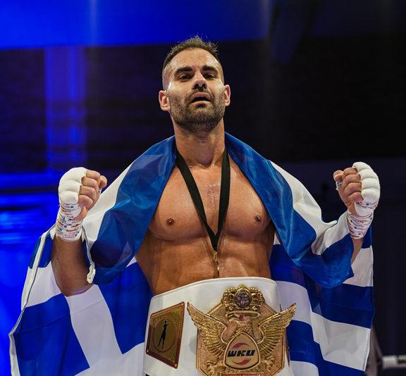 στην-κορυφή-του-gods-of-war-ο-έλληνας-kick-boxer