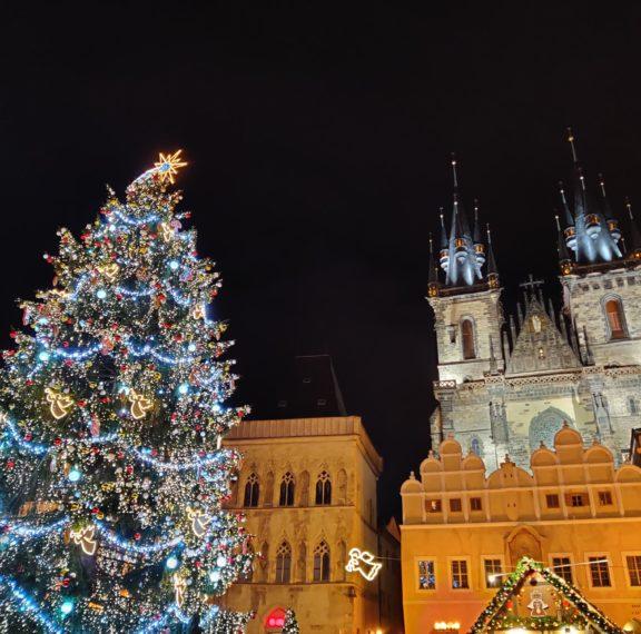 Χριστούγεννα στην Πράγα – Μαγικές εικόνες που θα σε ταξιδέψουν στην πόλη του παραμυθιού