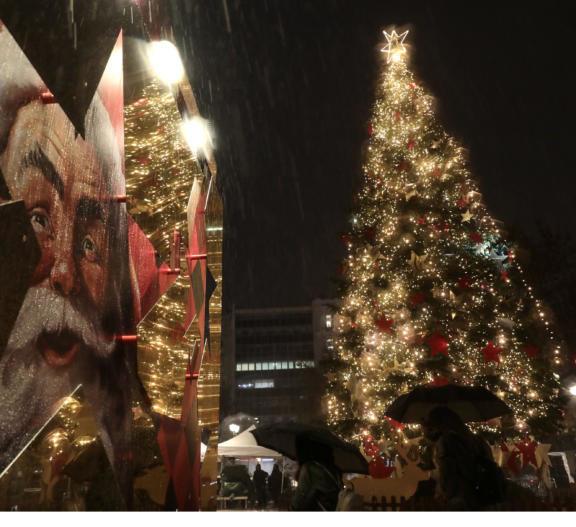 απίστευτο-το-χριστουγεννιάτικο-δέντ