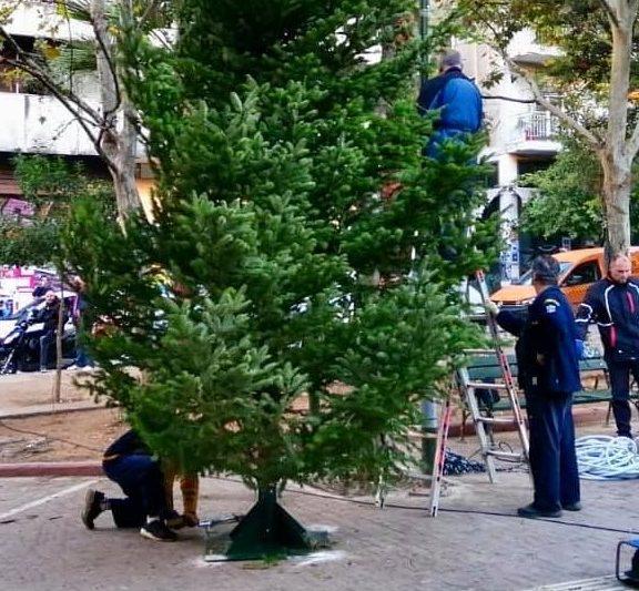 άγνωστοι-έκαψαν-το-χριστουγεννιάτικ