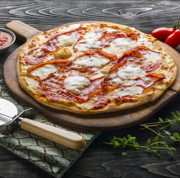 La Strega: Το funky comfort food εστιατόριο με την καλύτερη πίτσα της Γλυφάδας