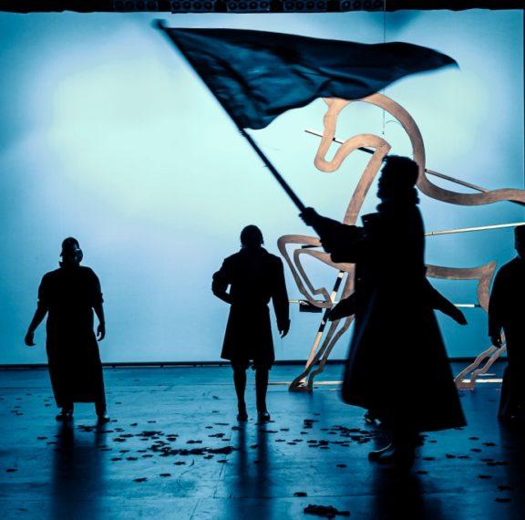 στο-δημοτικό-θέατρο-πειραιά-θα-βιώσει