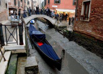 στέγνωσαν-τα-κανάλια-της-βενετίας