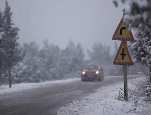χειμωνιάτικος-ο-καιρός-σήμερα-βροχέ