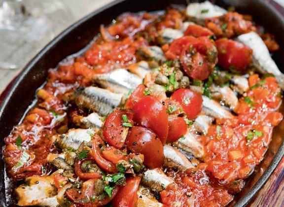 γαύρος-λαδορίγανη-με-πιπεριές-και-ντο