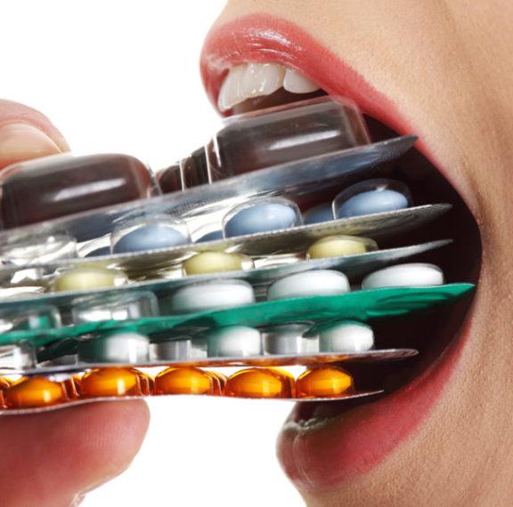 πολυφαρμακία-οι-συνέπειες-στην-υγεία