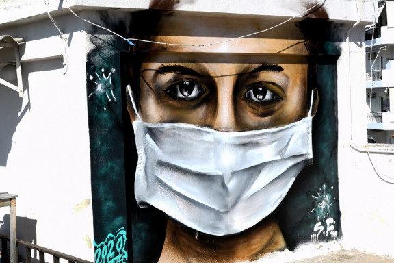 το-graffiti-του-16χρονου-στη-βουλιαγμένη-που-πι