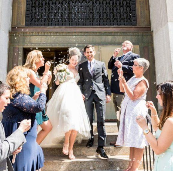 γάμοι-στην-εποχή-του-κοροναϊού-πλαφόν