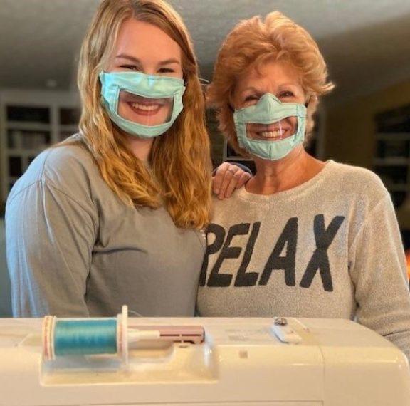 κορωνοϊός-φοιτήτρια-φτιάχνει-μάσκες