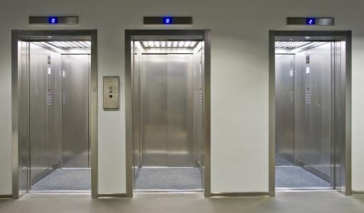 κορωνοϊός-πώς-θα-μπαίνουμε-στα-ασανσέ