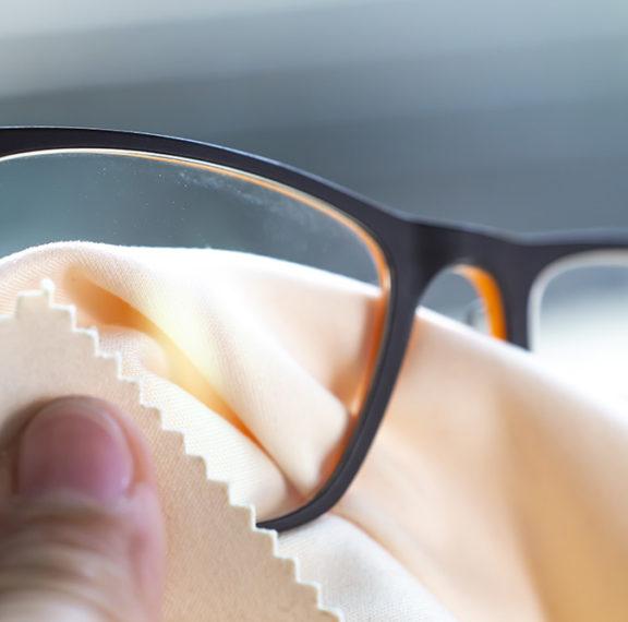 θολώνουν-τα-γυαλιά-σας-όταν-φοράτε-μάσ