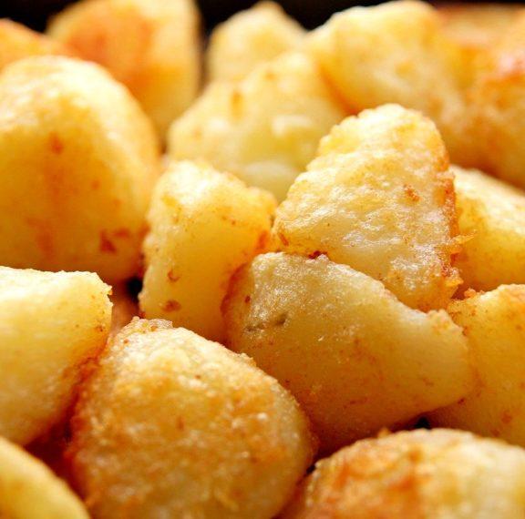οι-τραγανές-ψητές-πατάτες-της-έμιλι-μπ