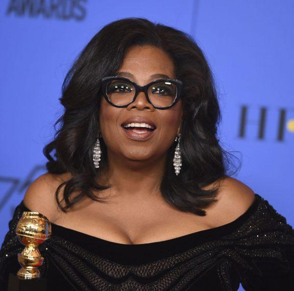 η-oprah-κάνει-πεντικιούρ-στο-σπίτι-και-αποκ