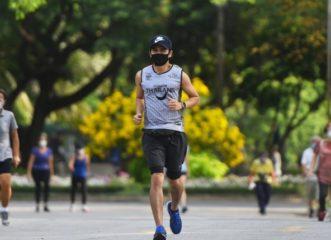 βγήκε-για-τρέξιμο-με-μάσκα-και-κατέρρε