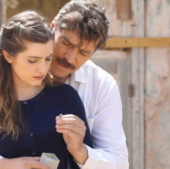 Ποιος πασίγνωστος ηθοποιός εισβάλλει στις «Άγριες Μέλισσες» τη νέα σεζόν;
