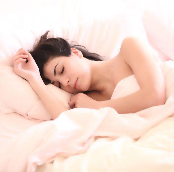 σου-αρέσει-να-κοιμάσαι-γυμνή-αυτά-είνα