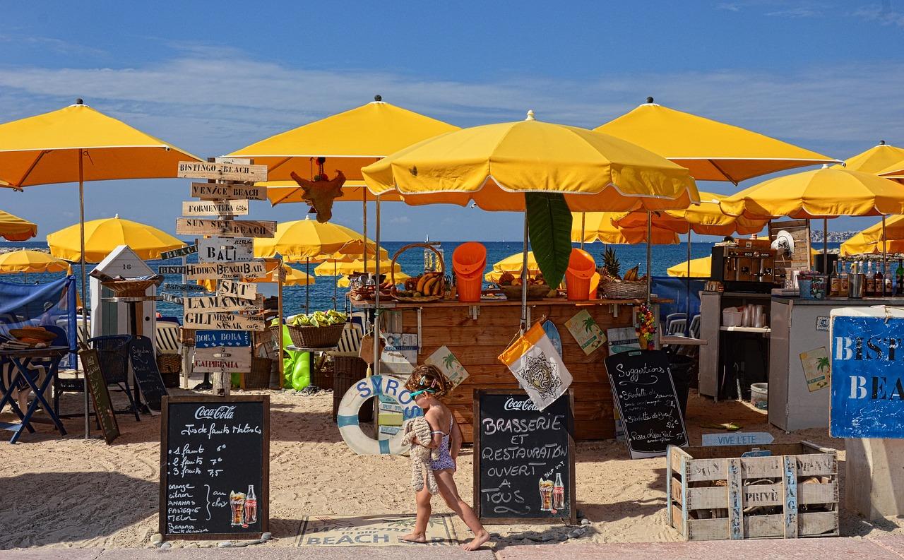 παραλία beach bar