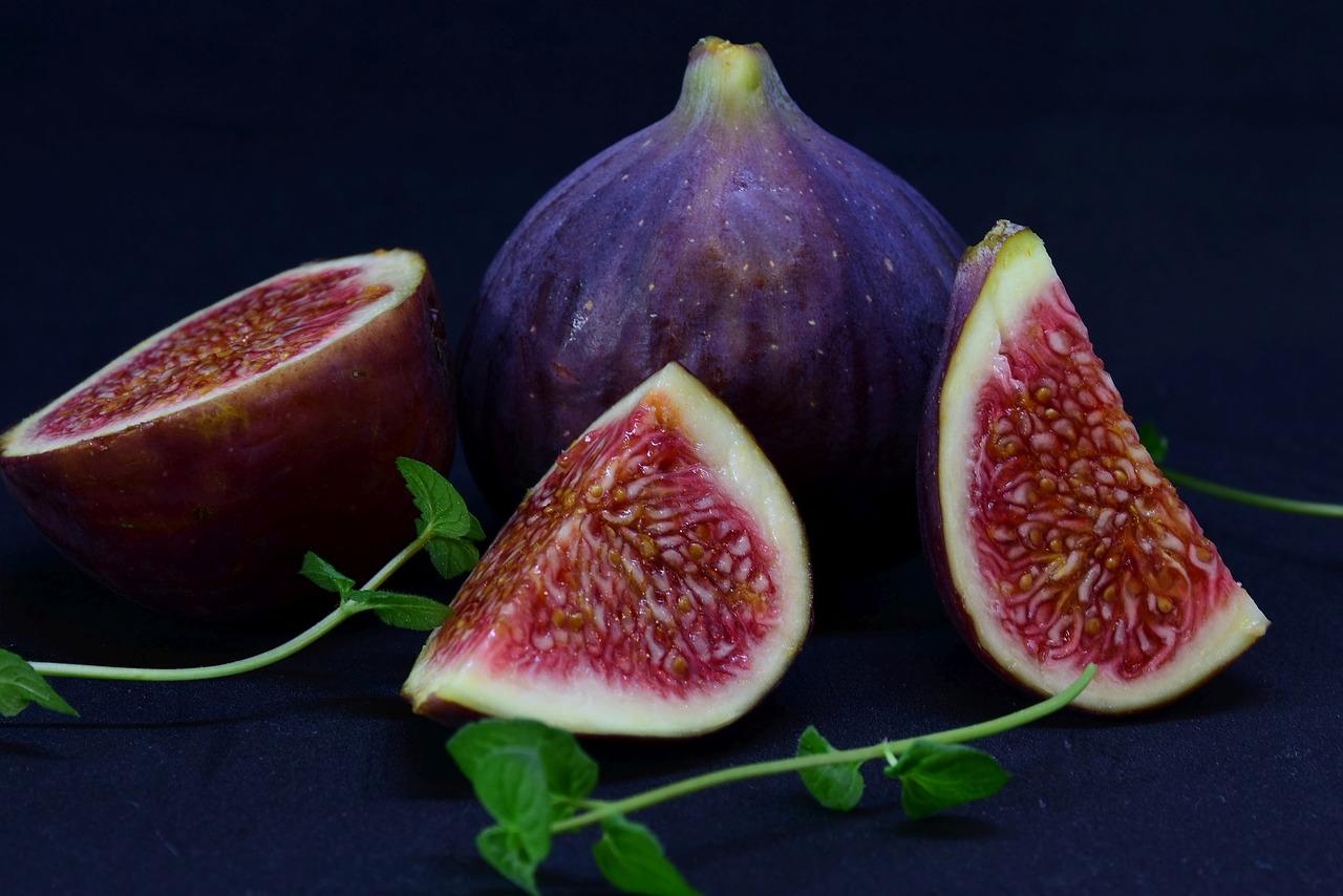 Τα καλοκαιρινά φρούτα που «χτυπούν» κόκκινο στις θερμίδες