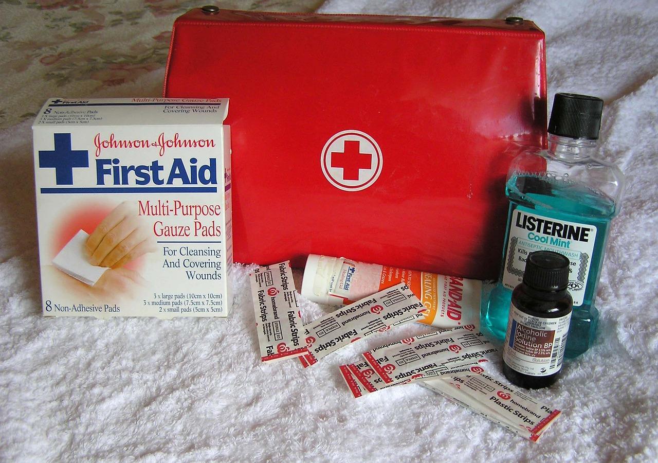 κουτί πρώτες βοήθειες