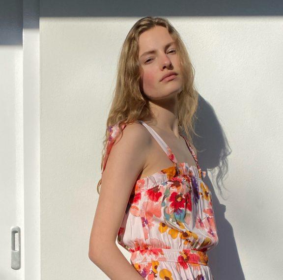 Βρήκαμε την ολόσωμη φόρμα του φετινού καλοκαιριού – Και κοστίζει κάτω από 15 ευρώ!