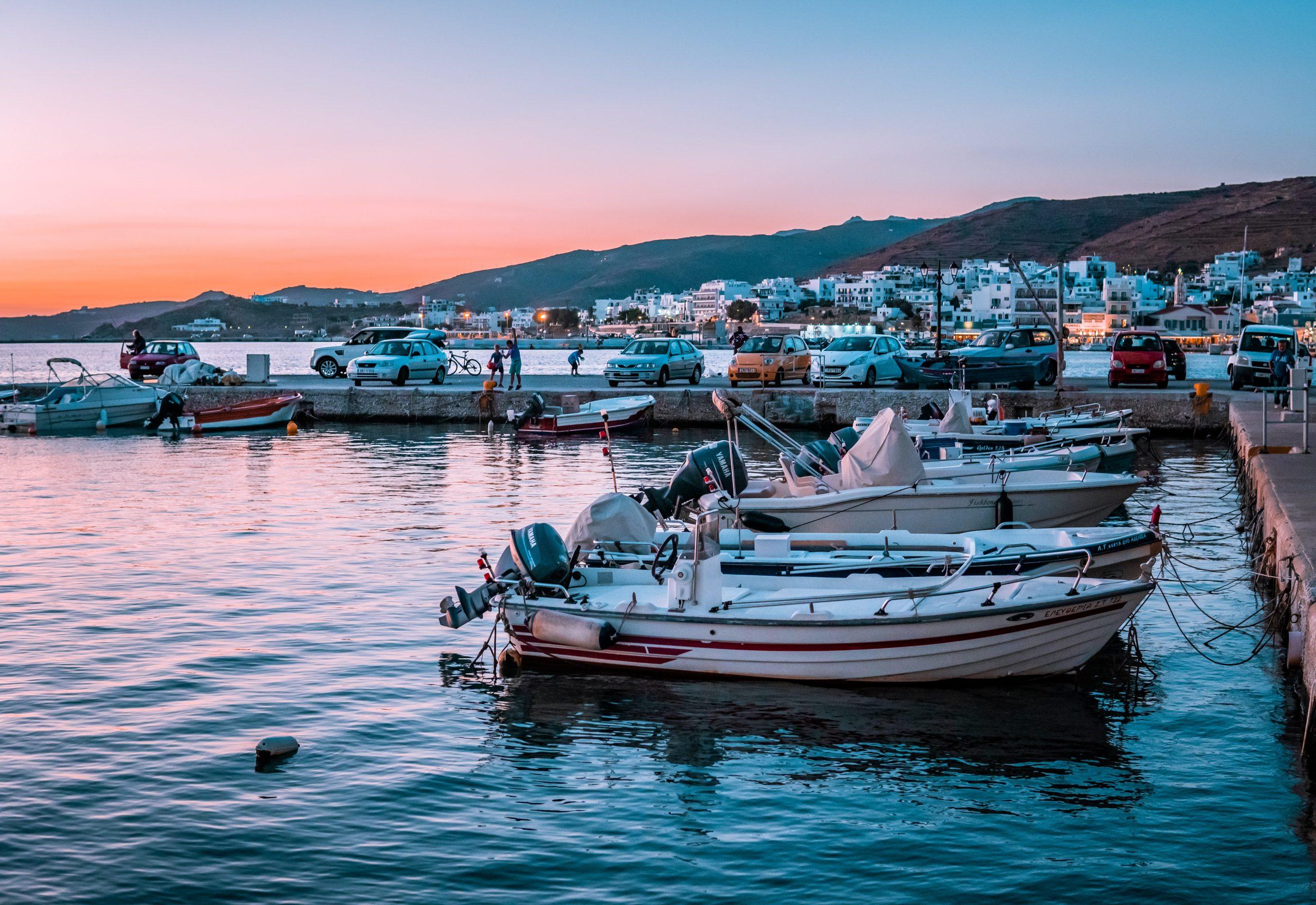 5 χωριά και 5 παραλίες που πρέπει οπωσδήποτε να επισκεφθείτε στην πανέμορφη Τήνο