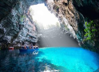 5-μαγευτικά-σπήλαια-της-ελλάδας-για-ενα