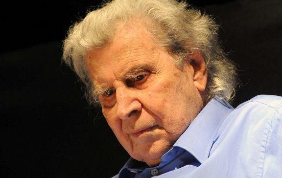 Ο Μίκης Θεοδωράκης κλείνει τα 95: Ο τελευταίος των «μεγάλων» που κέρδισε BAFTA και φλέρταρε με δύο Grammy