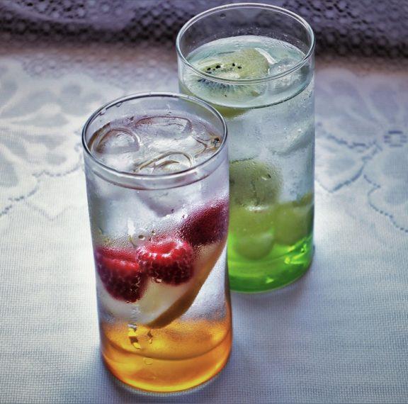 Detox Water ή Νερό Αποτοξίνωσης: Οι μύθοι, οι αλήθειες και πώς να το φτιάξετε!