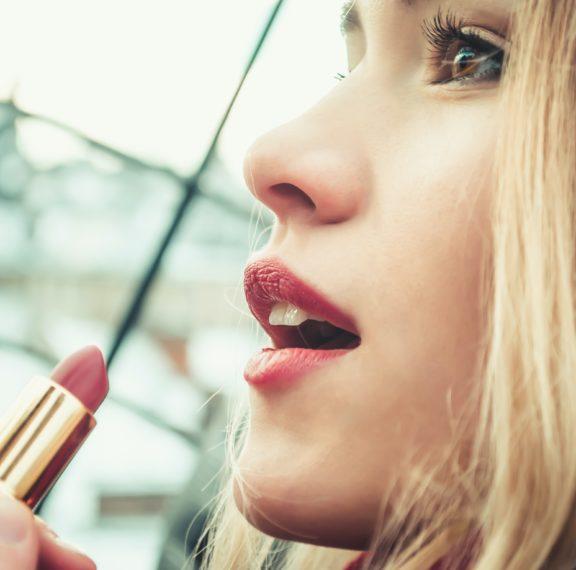 τα-8-make-up-trends-που-αξίζει-να-τολμήσετε-φέτος-το