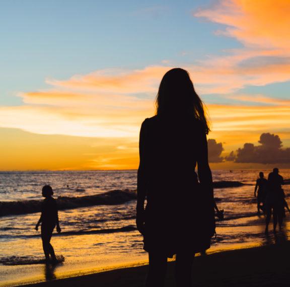 5-παραλίες-στην-αττική-ιδανικές-για-βρα