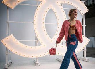 xολιγουντιανό-glamour-στο-fashion-show-της-chanel-στο-παρίσι
