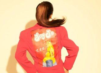 αυτή-η-ζωγράφος-χρησιμοποιεί-vintage-ρούχα-dior
