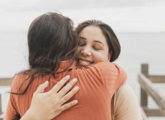 5-γυναίκες-εξομολογούνται-πώς-οι-φιλίε