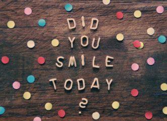 παγκόσμια-ημέρα-χαμόγελου-ας-μετράμε