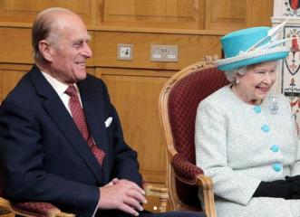 η-βασίλισσα-ελισάβετ-και-ο-πρίγκιπας-φ